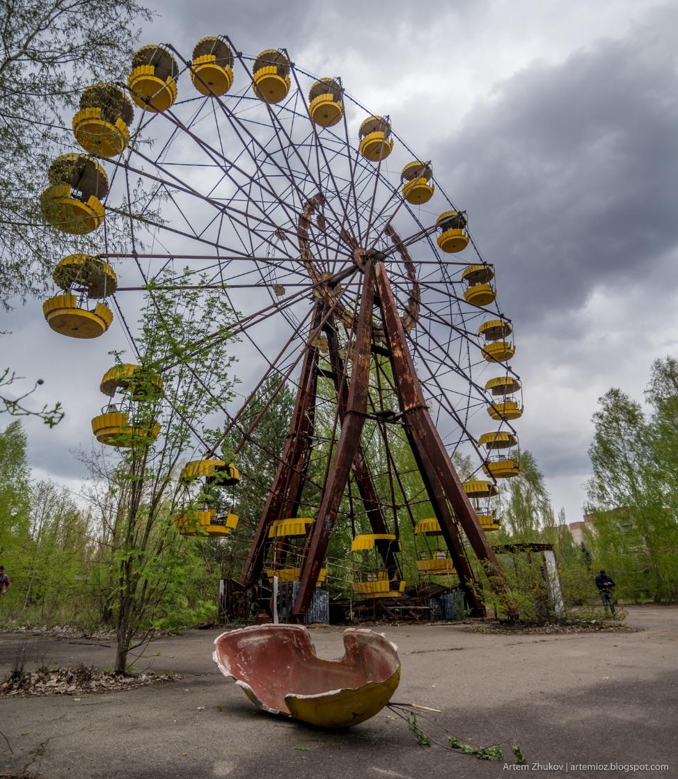 Колесо у парку атракціонів у Прип'яті